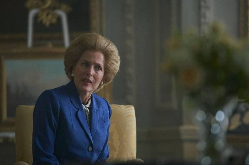 Gillian Anderson en el papel de Margaret Thatcher en The Crown.