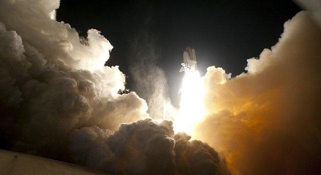 Toma de un cohete en pleno vuelo