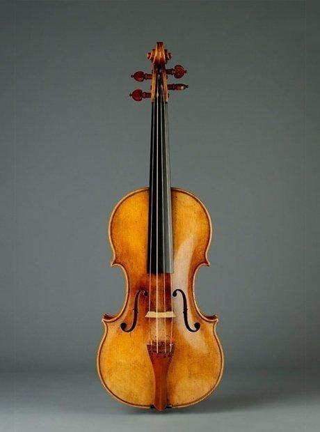 Violín Stradivarius en perfecto estado.